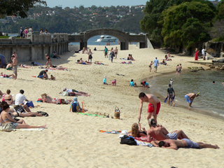 Balmoral Beach Bridge To Rocky Point Island